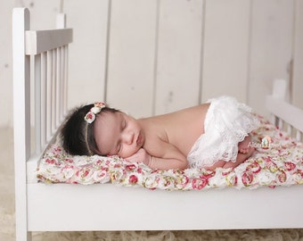WHITE LACE BLOOMERS with Headband, White Bloomers, Newborn Bloomers, Ruffle Bloomers, Newborn Photo Prop, Baby Bloomer, Ruffle Diaper Cover