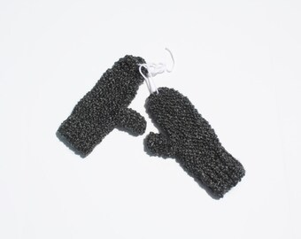 Extra soft chunky knit mittens in grey