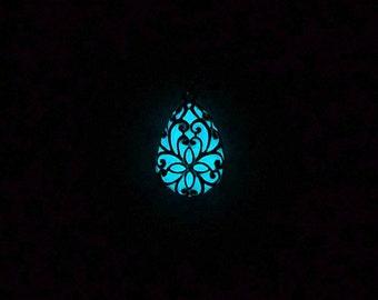 Frozen glowing pendant with Plant ornament Drop pendant Glowing jewelry Teardrop necklace Silver necklace Jewelry for teens Glowing necklace