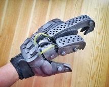Imperator Furiosa Bionic Hand Robotic Foam Glove Mad Max Costume Cosplay