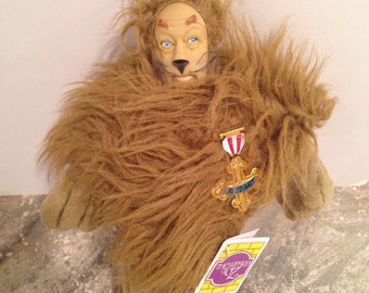 Wizard Of Oz Cowardly Lion With Courage Badge With Tag