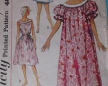 Sewing Pattern Simplicity 2566 for a Woman's Nightdress or Muu Muu in Size Medium