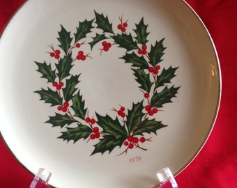 CERAMCO 1976 Christmas Plate, Holly Green and Red with Gold Trim