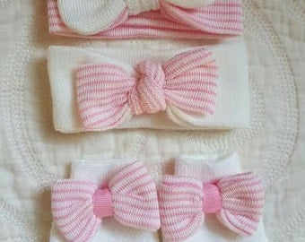 Just In!! Newborn Gift Set with Mini Headbands and Mittens.  Newborn Mittens. Newborn Headbands.