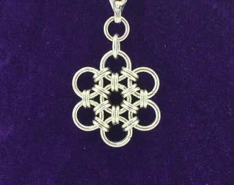 Sterling Silver Chainmaille Daisy Necklace