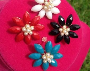 Flower Stud Earrings 4 colors!