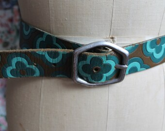 Hippy style Floral l belt with silver colour buckle REF 257