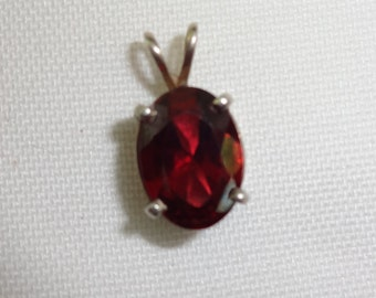 Garnet large for necklace