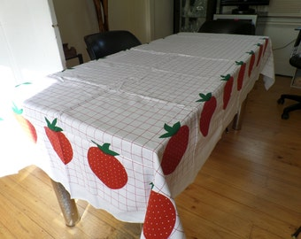 Retro / Vintage Tablecloth / Fabric Strawberry Pattern NEW