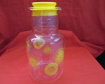 Vintage Pyrex, 2 Quart, Store and Serve Beverage Jug (Juice Carafe). 1980's