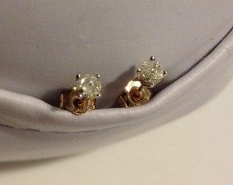 10k gold diamond stud earrings! Sale!