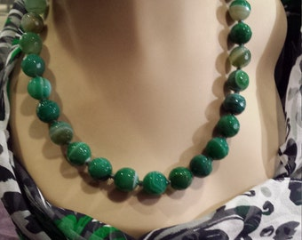 One strand faceted green agate necklace