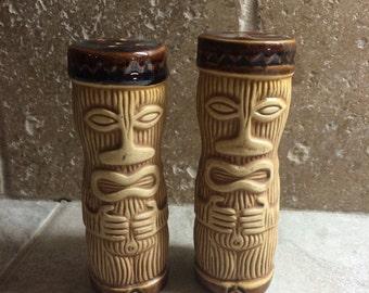 Vintage Island Tiki pottery Salt & Pepper Shakers- 61 Design PMP Paul Marshall Products