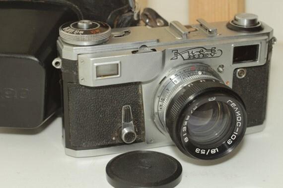 Kiev-4AM Vintage Rangefinder Camera, Helios-103 & Case 1981 USSR Soviet ж