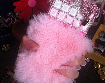 Pink Soft Fluffy Fur Furry Lip Bling Luxury Lovely Charms Glossy Jewelled Crystals Rhinestones Diamond Gems Hard Cover Case for Mobile Phone