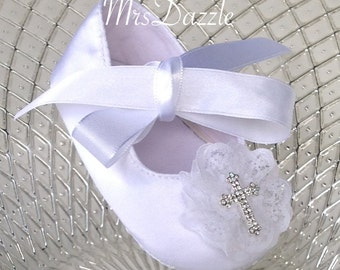 white baby christening shoes, satin baby baptism shoes,baby cross shoes,baby lace shoes,baby shoes,newborn shoes,Infant shoes,cross shoes