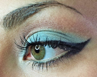 LIGHT BLUE Mineral Eyeshadows Natural