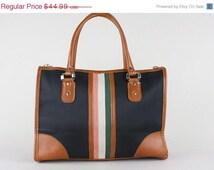 ON SALE Vintage Large Satchel Bag Big Carryall Purse Retro Zip Top Carryon Tablet Tote