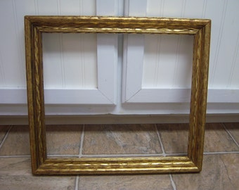 Vintage 1940's original finish picture frame/Gold tone finish frame/Retro frame/Gallery frame