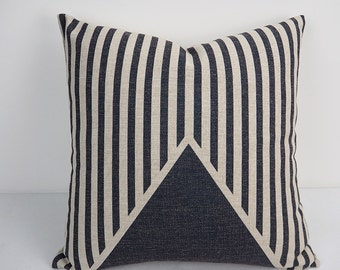 Black and White Pillow, Pillow cover 18x18, Throw pillow, Cushion Cover, decorative pillow cases, Geometric Pillow, decorative throw pillow