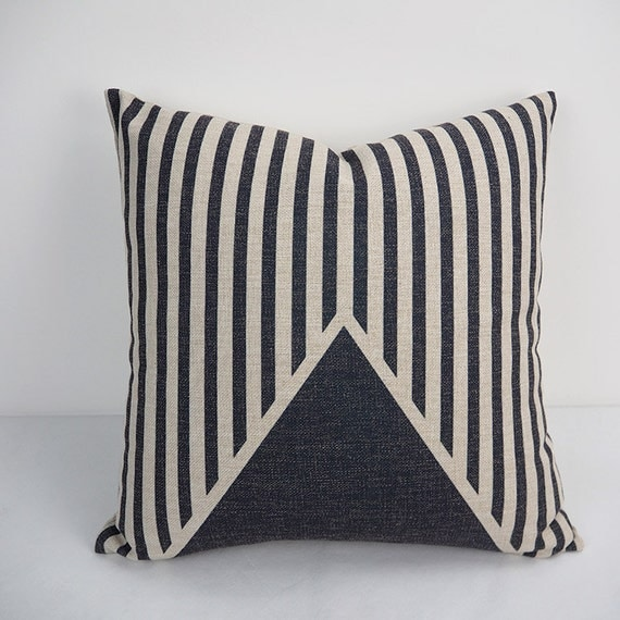 Black and White Pillow Pillow cover 18x18 Throw by HomeDecorYi