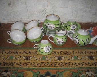 25 pieces Soviet Russian Dulevo Vintage Hand Painted Tea Set.