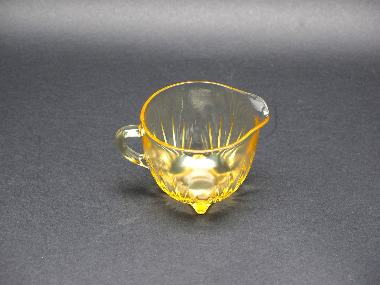 Federal Glass Star Pattern Yellow Creamer, 1 Cup Volume ...