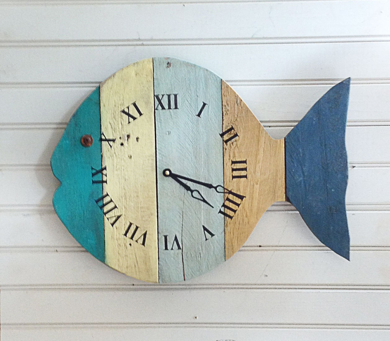 Beach themed wall clock rustic painted fish beach wall clock 20 wide tropical amipublicfo Images