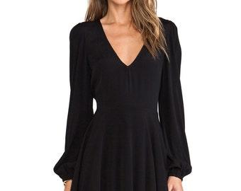 Black Long Sleeve V Neck Pleated Dress