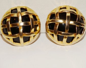 "Free Shipping Vintage Gold tone Large 1.5"" Diameter Earrings"