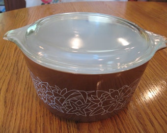 Pyrex Woodland Brown Casserole Dish