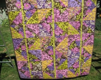 Contemporary bright throw quilt