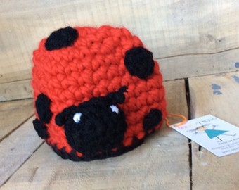 Red Lady Bug crocheted hat for baby boy. Wahable wool baby toque.