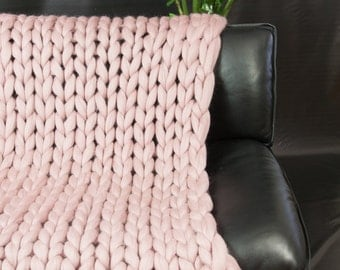 Super Chunky Knit Blanket Throw Blanket Sofa Throw Beautiful Pink Merino Wool Blanket Home Decor Giant knitting Gift Cozy blanket Bedding