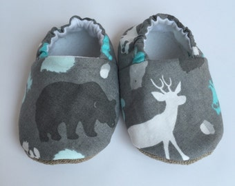 Cloth Baby shoes - soft sole baby shoes - baby moccs - baby shoes - crib shoes - baby booties - baby moccasins - soft baby shoes