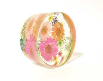 Beautiful Pressed Flower Paperweight, Floral Paperweight- Spring Paperweight- Real Flower Resin Art