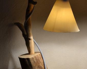 Table Lamp with porcelain shade - lampada da tavolo con paralume in porcellana