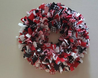 Sale, Wisconsin football rag wreath, Wisconsin football wreath, badgers rag wreath, badgers wreath, Ready to ship