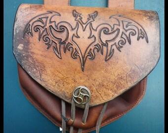 Escarcelle the bat leather