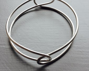 Playful LOOP Bangle