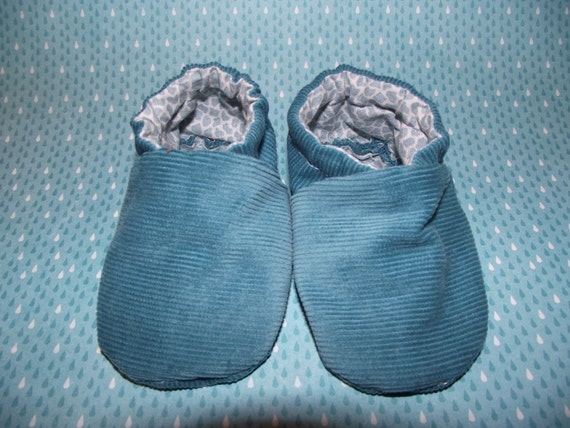 Blue corduroy baby booties shoes with giraffe print inside -  Size US 2 for 3 - 6 Months