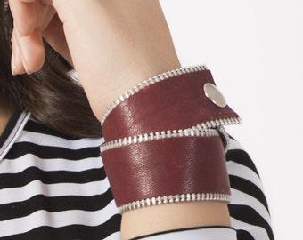 Handmade modern leather bracelet, zipper and leather bracelet, urban style jewlery