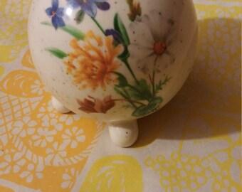 Potpourri, Vintage Potpourri Holder, Retro style Potpourri holder