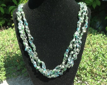 Ladder Yarn Necklace (Aqua)