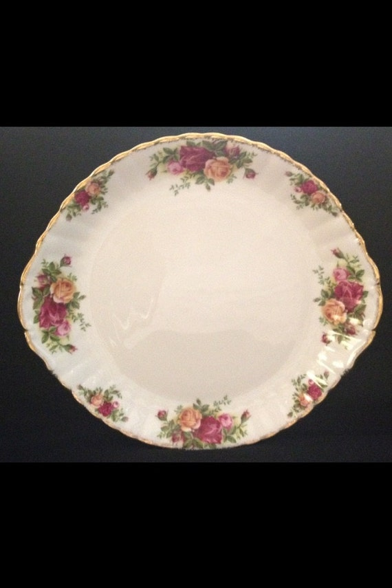 "FREE SHIPPING-Fantastic-Vintage-1962-Old Country Roses-Royal Albert-Bone China-Made England-10 1/2""-Cake/Sandwhich Plate"