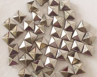 """Silver toned Pyramid Metal Studs _High quality, 8 prong _1/2"""" square (12mm).  200 per bag. Selling in 2 bags increments."""