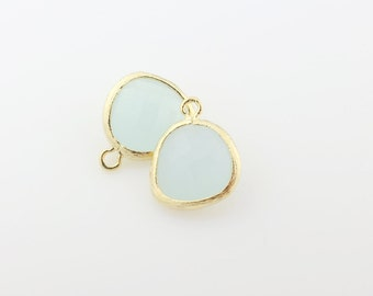 G001007P/Alice Blue/Gold plated over brass/Asymmetrical framed glass pendant/13mm x 15.8mm/2pcs