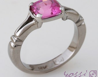 1.75 ct. Pink Sapphire Cushion cut set in 18 ct. White Gold Split shoulders Dress Ring
