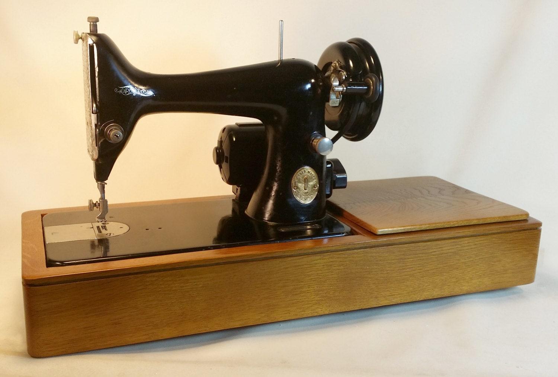 custom singer sewing machine oak base for singer 99 128. Black Bedroom Furniture Sets. Home Design Ideas