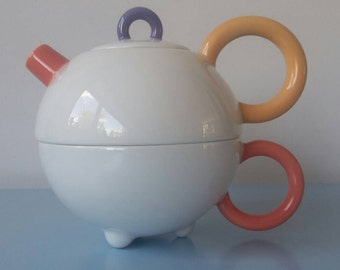 Memphis Teapot designed by Matteo Thun for Arzberg '80